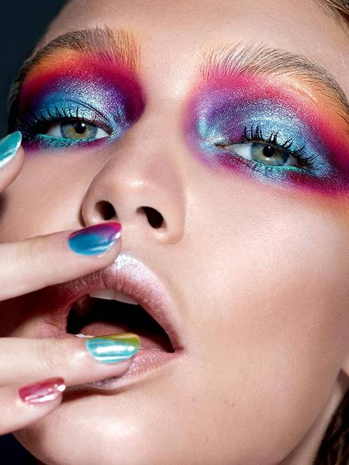 maybelline-nyfw-gigi-hadid-graffiti-eye-look-3x4